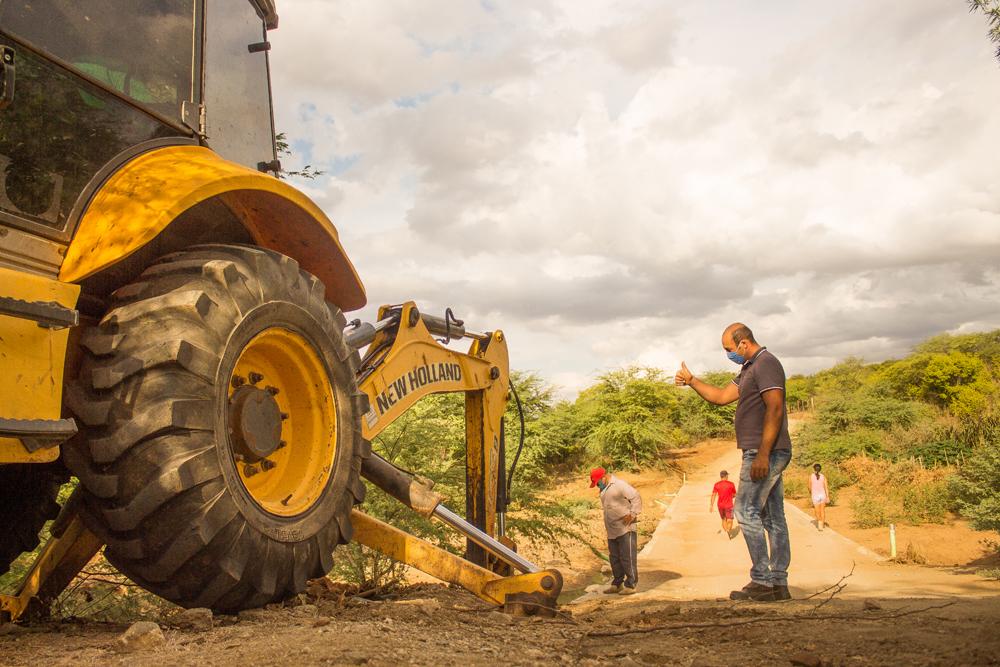 Prefeitura de Congo inicia obra de restauração da passagem molhada da Laginha