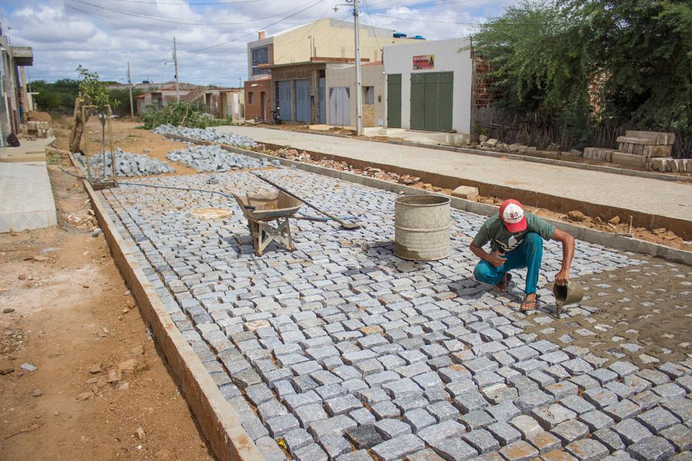 Prefeitura segue investindo na pavimentação de ruas