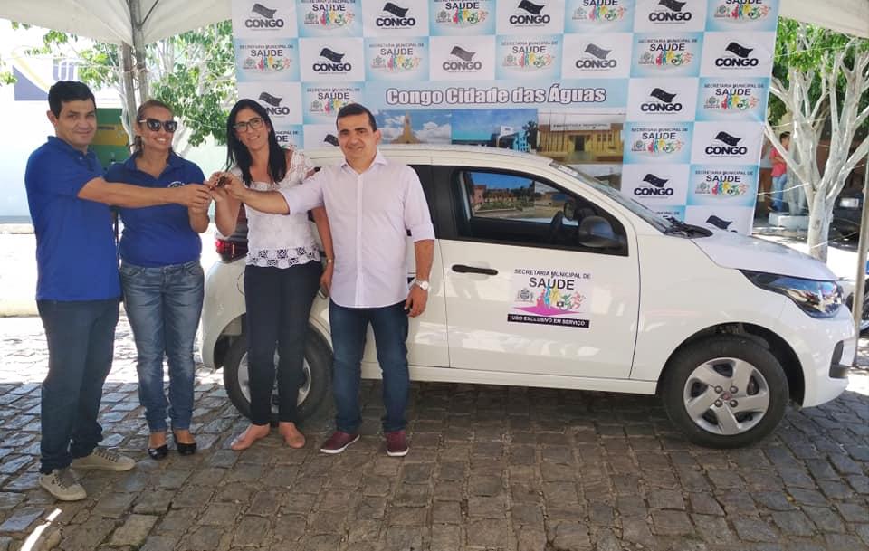 Prefeito Júnior Quirino entrega veículo para a Estratégia Saúde da Família do município do Congo