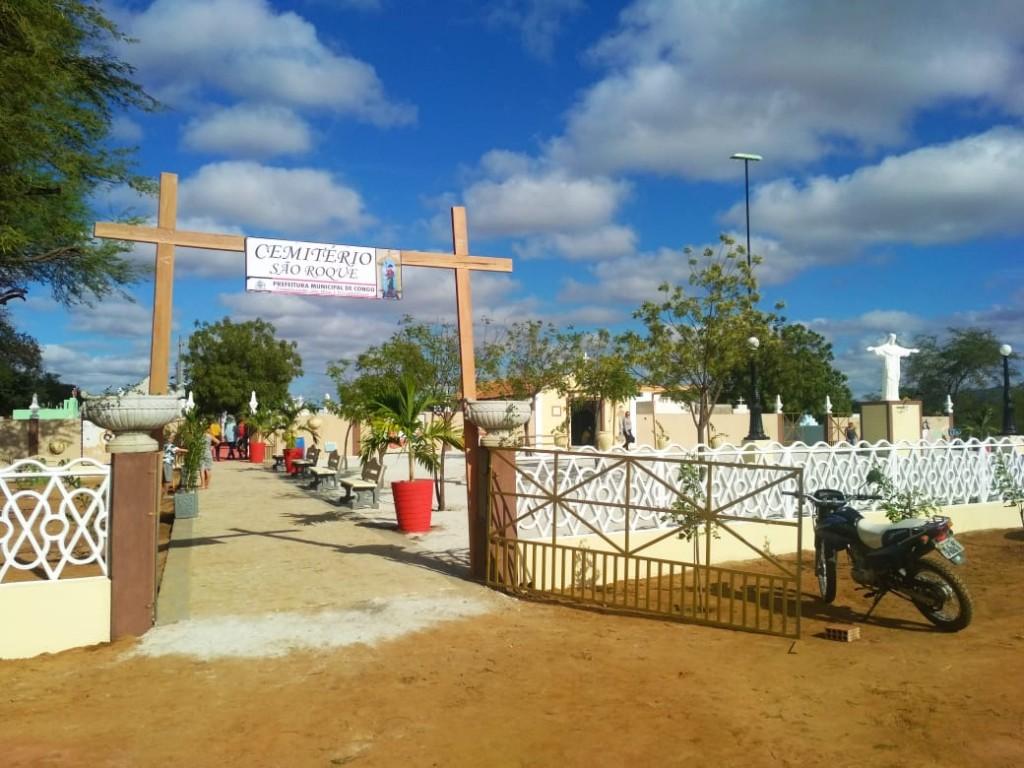 Dia de Finados: prefeito Júnior Quirino entrega obra no cemitério público da cidade de Congo