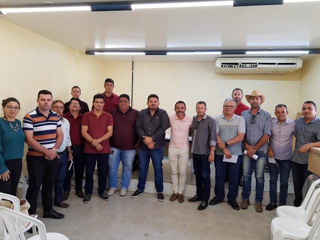 Prefeito Júnior Quirino anuncia construção de 78 cisternas na zona rural do Congo, via CISCO