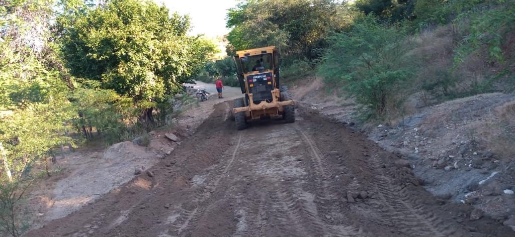 Prefeitura do Congo intensifica trabalho recuperação de estradas vicinais do município